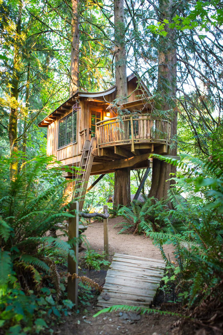 The Upper Pond treehouse at Treehouse Point, Preston WA, USA.